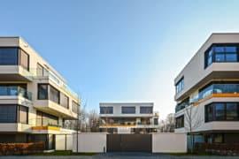 Präsentationsbild AA Plan, drei Moderne Häuser