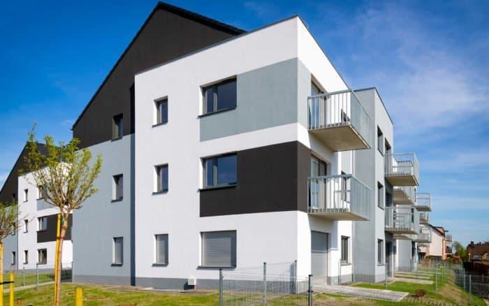 Bild eines Mehrfamilienhauses, aus Seitlicher Ansicht von AMS Groupe
