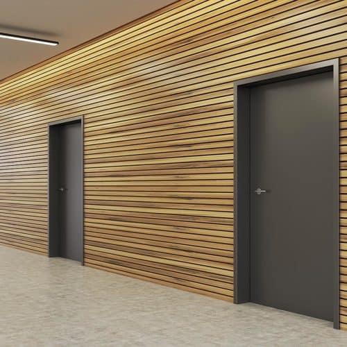 Graue Türen mit Holzfassade von Insito