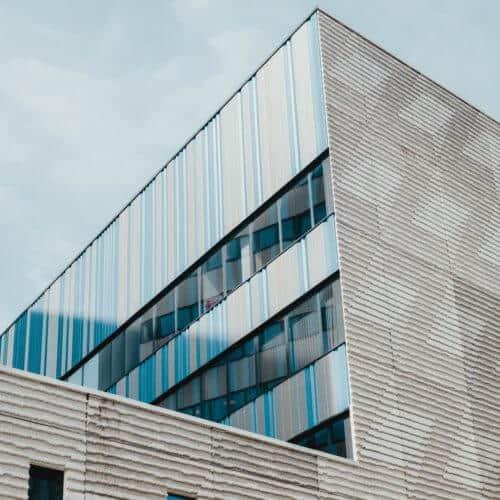 Modernes Gebäude AMS Objektentwicklung