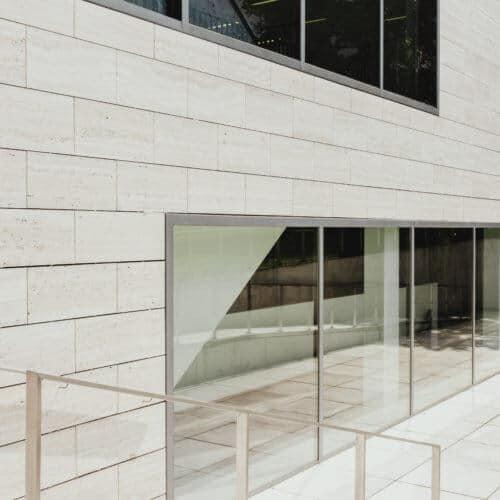 Fenster und Zaun AMS Objektentwicklung